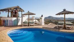 vakantie spanje hotel met zwembad